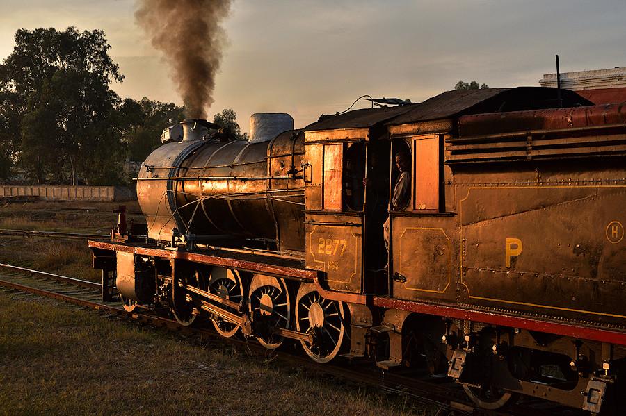 HG/S 2277 Pakistan Railways Attock City Tanago